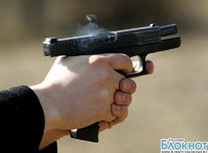 В Краснодаре мужчина устроил стрельбу на заправке