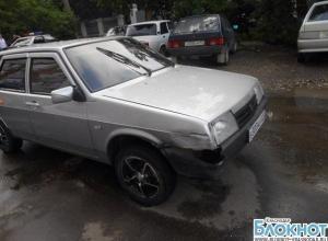 В столице Кубани водитель «девятки» врезался в иномарку и сбил пешехода