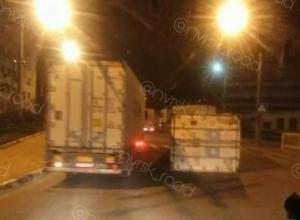 «Утром было бы веселее»: в Новороссийске с полуприцепа слетел контейнер