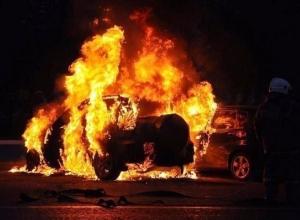 На Кубани два человека погибли в сгоревших автомобилях