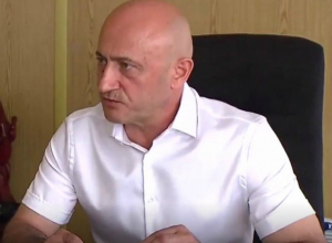 Экс-супруг Елены Хахалевой на 50 миллионов снизил стоимость своей земли