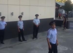 «Замуровали двор»: В Краснодаре разворачивается скандал вокруг ЖК «Центральный»