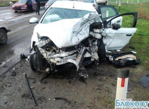 На Ростовском шоссе столкнулись две иномарки, оба водителя погибли