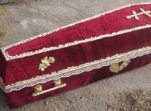Житель Крымска угнал автомобиль с гробом в багажнике