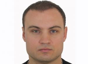 «90-е вернулись»: машину с депутатом Артуром Подольским расстреляли в Туапсе