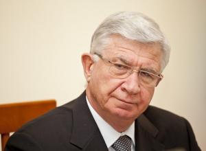Экс-мэр Краснодара Евланов начал работу в приемной с обманутыми дольщиками