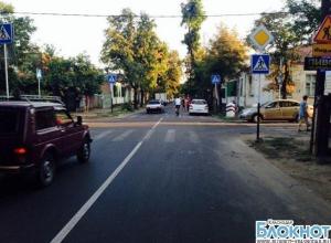В Краснодаре девушка врезалась в коляску с ребенком