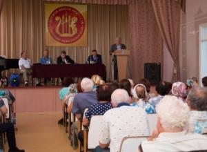 Коммунисты-депутаты Государственной Думы Н.В. Коломейцев и Н.И. Осадчий встретились с избирателями в Каневском районе