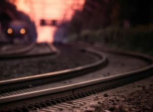 Под Новороссийском мужчина попал под колеса поезда