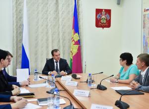 Губернатор Кубани раздал поручения по строительству дорог и освещения в крае