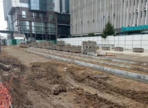 Подрядчик по ошибке отобрал 1,5 метра тротуара на улице Красной в Краснодаре