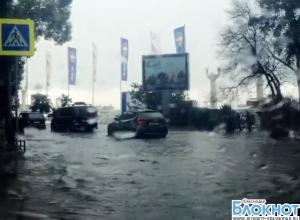 В Сочи из-за сильных ливней поднялся уровень воды