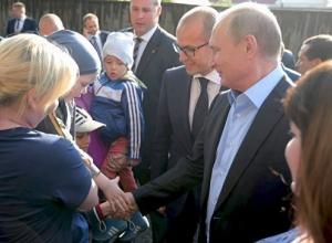 Владимир Путин встретился в Сочи с женщиной, которой подарил путевку на курорт