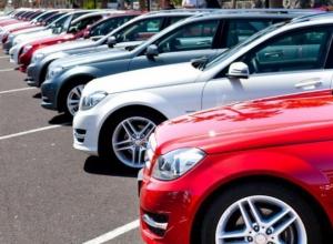 Автосалоны Кубани покинули треть моделей