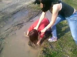 В Абинском районе шестнадцатилетние девушки избили сверстницу