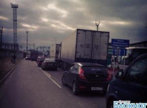 В Краснодарском крае  порт «Кавказ» закрыт из-за  шторма