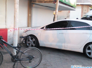 В Краснодаре водитель влетел в остановку и скрылся с места происшествия