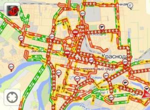 Сколько времени вы тратите на дорогу домой: В Краснодаре жители написали петицию чтобы привлечь внимание к пробкам