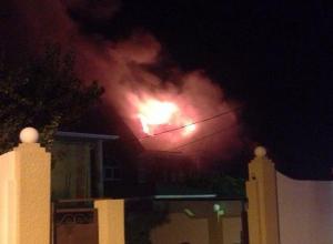 Горело очень мощно! - Очевидцы о пожаре в одном из «непростых» домов Новороссийска