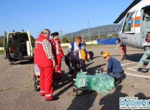 В Сочи спасатели эвакуировали упавшего со скалы туриста