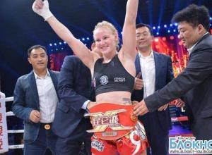 Сочинка Валентина Шевченко выиграла пояс  чемпионки мира «Woman Gran Prix Super 8»