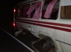 Двое жителей Кубани погибли в смертельном ДТП с вахтовым автобусом в Адыгее