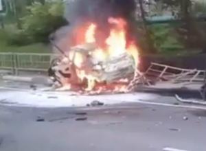 Появилось видео с места ДТП с горящим BMW X6 в Сочи