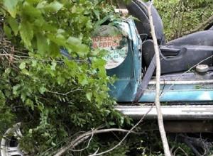 Джип с 7 туристами сорвался с обрыва в Геленджике