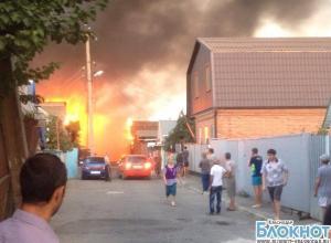 В Краснодаре сгорели частные дома
