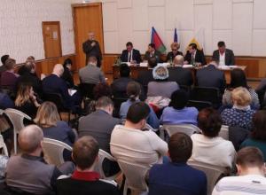 Жители поселка Лазурного попросили мэра Краснодара сделать новые дороги и остановки