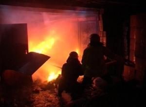 В Сочи сгорел гаражный кооператив