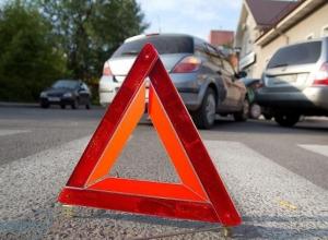 «Мерседес» сбил женщину на проезжей части в Сочи