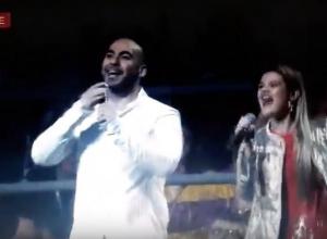 Молодежь в Сочи запустила многотысячную «волну» под песню Вахтанга о волонтерах