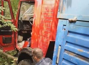 Водитель грузовика умер во время движения по дороге из Тимашевска