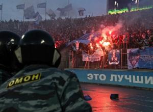 СМИ: полицейский сломал ногу фанату «Зенита» после матча с «Краснодаром»