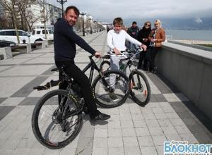 В Новороссийске заканчивают реконструкцию городской набережной