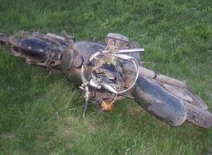 Под Курском пьяный мотоциклист без прав опрокинулся в кювет