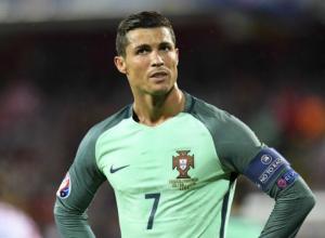 «Роналдо покажет»: болельщики ждут появления легендарного игрока на сочинском «Фиште»