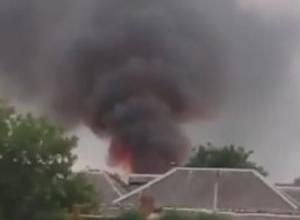 В частном секторе Краснодара произошел сильный пожар