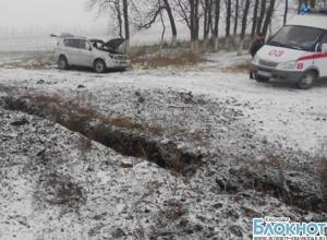 В Кавказском районе из-за опрокидывания автомобиля пострадали две женщины