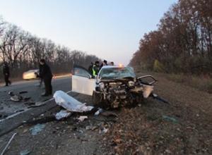 В Краснодарском крае в аварии погибли два человека