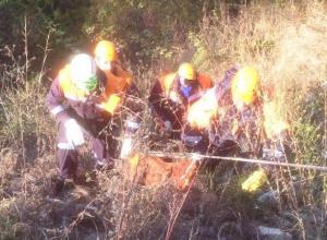 В сочинском овраге рядом с ВАЗ-2110 нашли мертвым неизвестного мужчину
