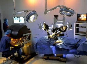 Более 350 больных отдали «под нож» роботу-хирургу в Краснодаре