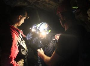 Появились фото и видео с операции по поиску дайвера в Сочи