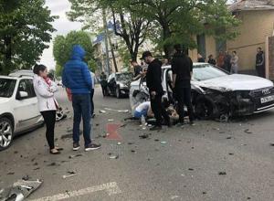 В ДТП немецких иномарок в центре Краснодара есть пострадавшие