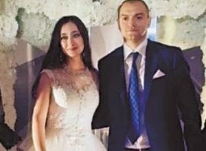 Откуда деньги? - оплативший свадьбу в Краснодаре экс-супруг Хахалевой имеет убыточный бизнес