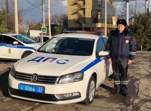 Спасшим роженицу, застрявшую в жуткой краснодарской пробке, оказался лейтенант полиции Игорь Рагулин