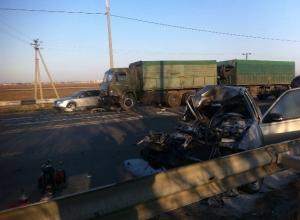 В Краснодаре водитель легковушки погиб, столкнувшись с «КамАЗом»
