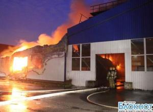 В Отрадненском районе сгорел мебельный цех