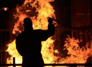 19-летний краснодарец из-за обиды на товарищей сжег их дом